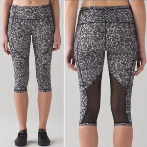 Lululemon Outrun Crop Leggings Mini Cinder Lace